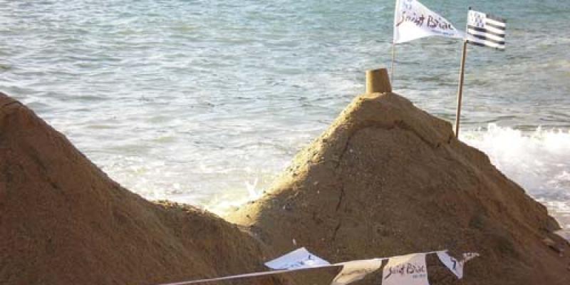 Concours de châteaux de résistance à la mer