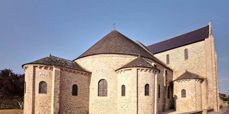 Concert du chœur nova voce de lensemble lyonnais éphémère à labbatiale de saint-gildas-de-rhuys