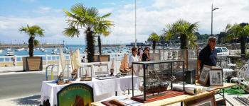 Foire à la Brocante vue sur mer Saint-Quay-Portrieux