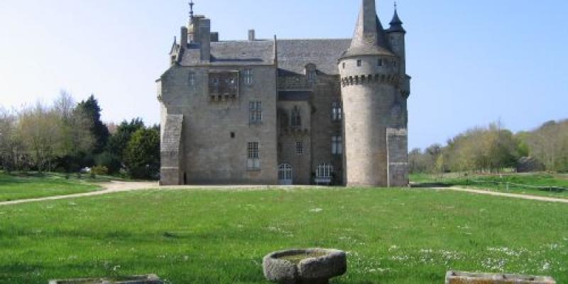 Spécial Neurodon au Château de Kérouzéré