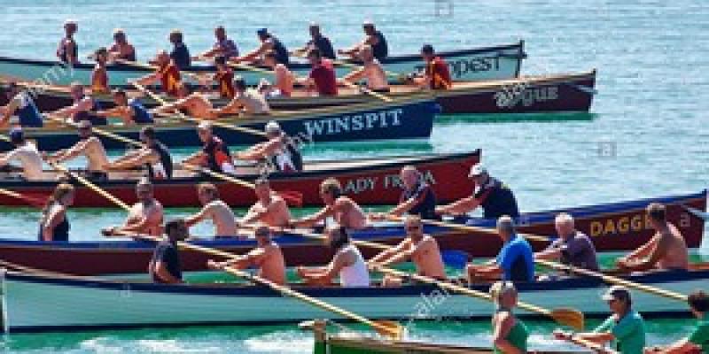 Course de bateaux anglais en bois : le Big Gig