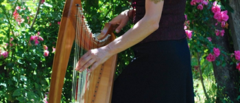 Lawena et sa harpe Celtique en concert Lézardrieux
